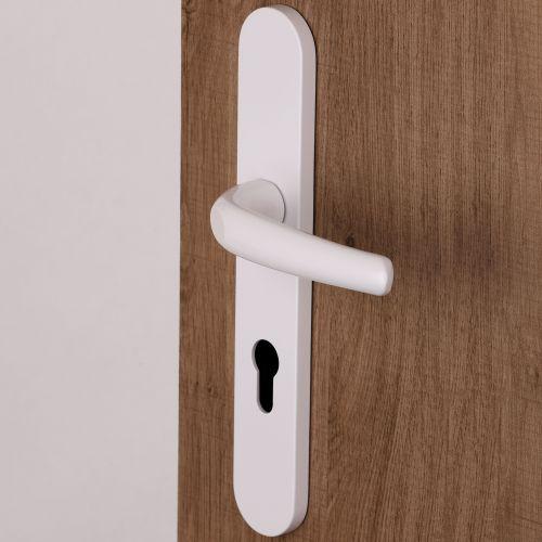 Poignée Pianosa pour porte d'entrée un seul côté béquille normale sur plaque avec piliers Blanc RAL 9016 vis non apparentes.